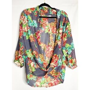 Kut from the kloth gray floral blouse L